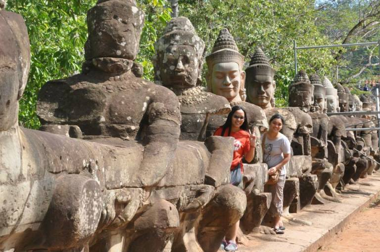 angkor thom gate deva deity